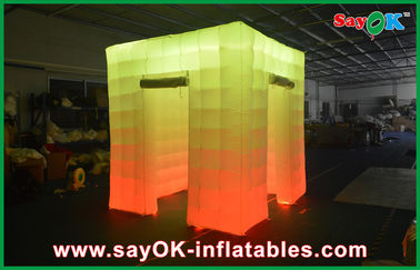 Porcellana Cabina gonfiabile della foto della luce del cubo della porta di apertura 2 con la cima principale fornitore