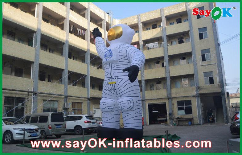 Astronauta gonfiabile bianco gigante dei personaggi dei cartoni