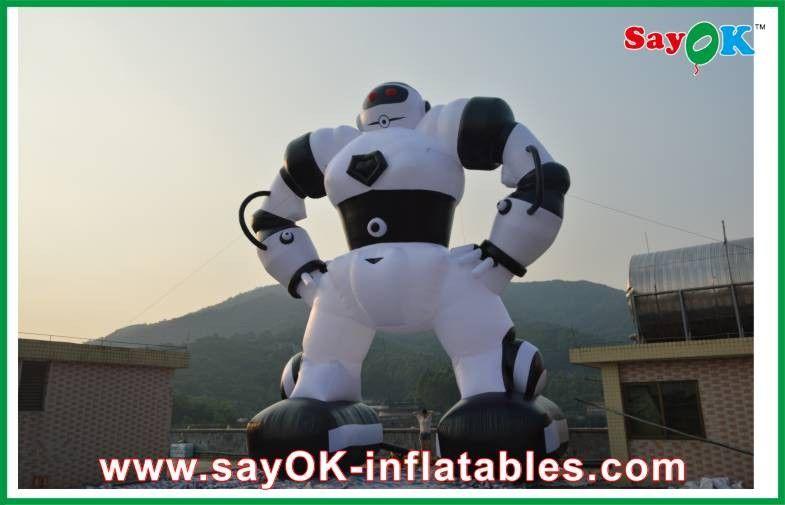 Personaggi dei cartoni animati gonfiabili nero bianchi robot