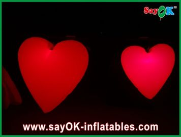Grande cuore gonfiabile rosso adorabile con le luci principali per il festival, diametro 1.5M