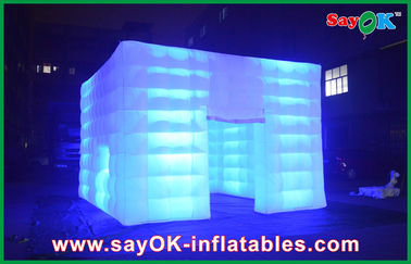 La tenda gonfiabile impermeabile durevole dell'aria va all'aperto con luce principale